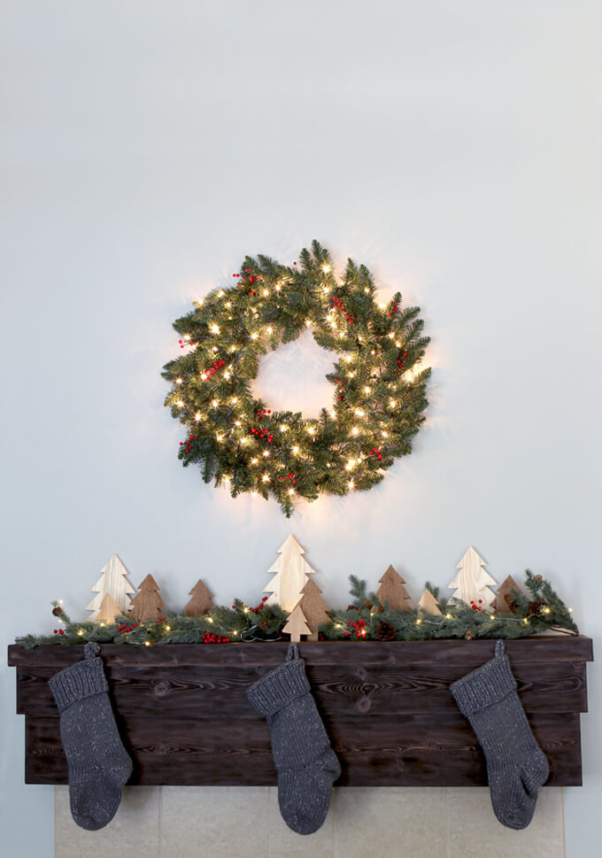 Rustic Christmas Mantel With Decor